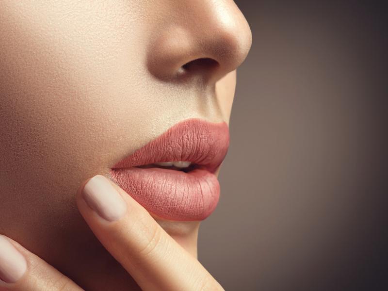 Lip tint: il segreto per un trucco perfetto