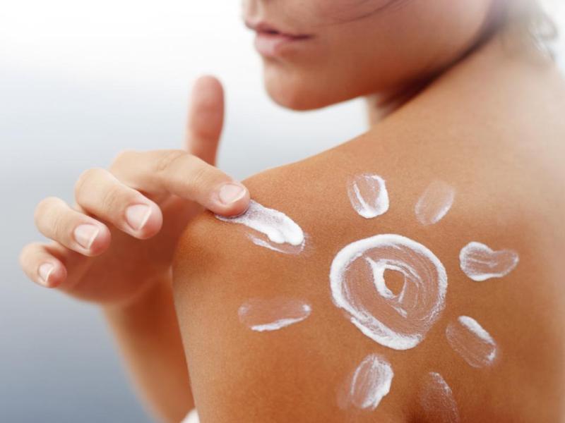 Sonnenschutzmittel: eine Verteidigung für unsere Haut im Sommer