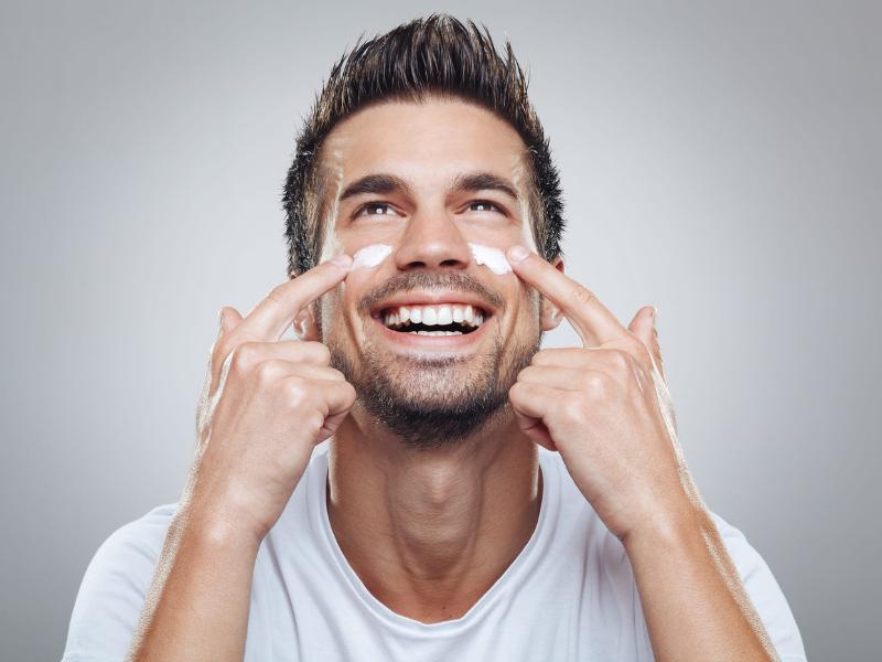 Männliche Schönheitspflege: Produkte für eine gesunde Haut