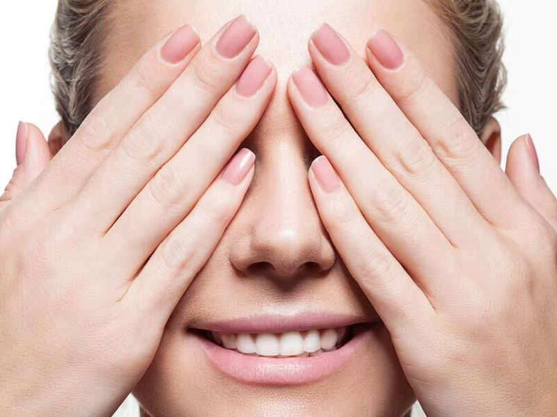 Esmalte en polvo: la nueva frontera de la manicura
