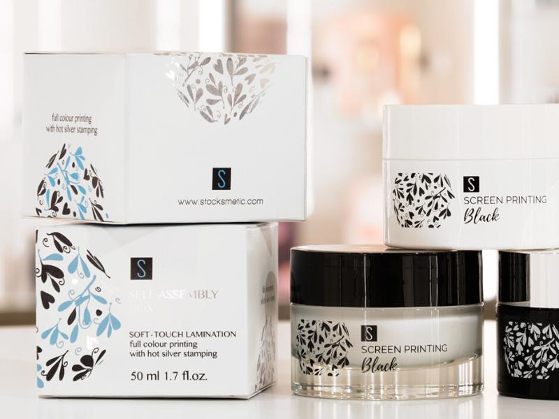 Eine komplette und personalisierte Linie von Verpackungen? Mit Stocksmetic Packaging können Sie das!