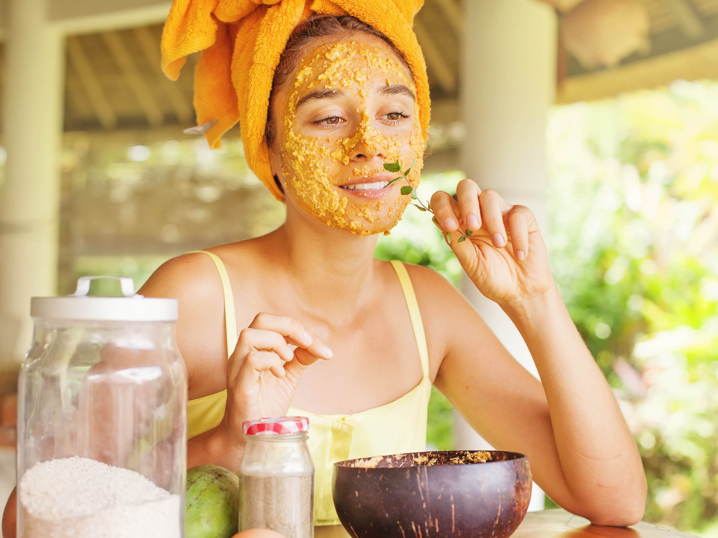 HOMEMADE MASKS FOR TAKING CARE OF YOUR SKIN