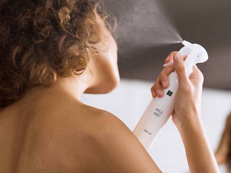 Stress und Hautpflege: Produkte, die die Haut jung halten