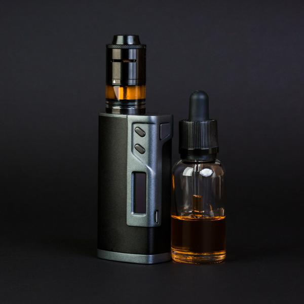 Sigarette elettroniche: liquidi e aromi in comodi flaconi