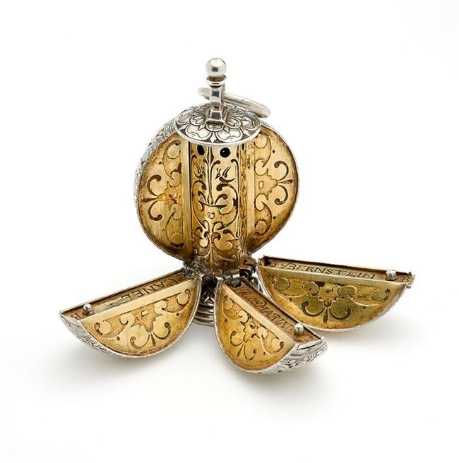 Pomander: gioielli come profumatori