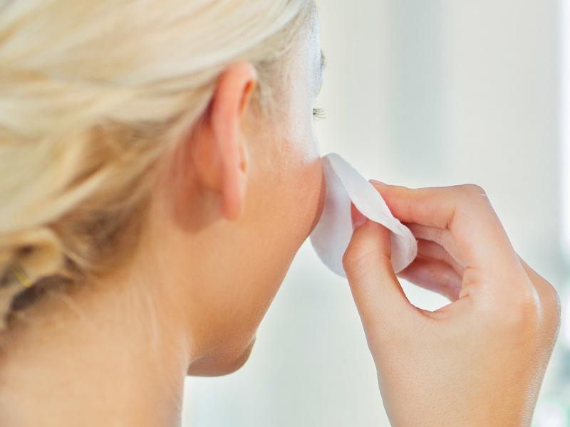 Tonico esfoliante per purificare la pelle